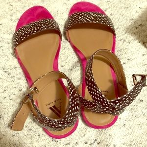 Ava & Aiden hot pink & black/white sandals, flats